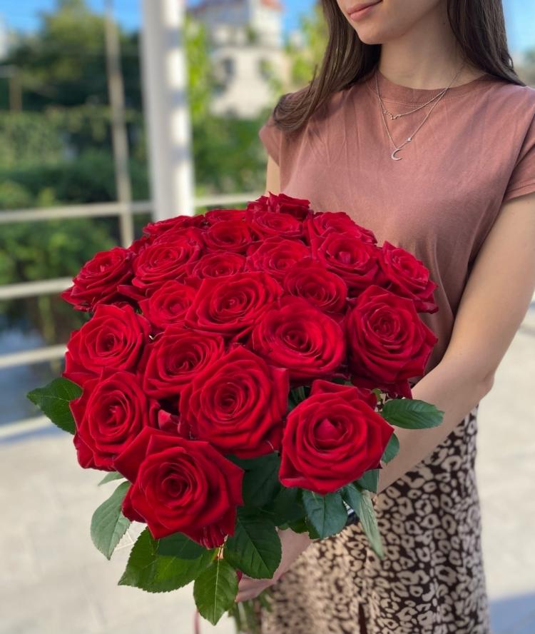 Букет из 25 красных роз Россия