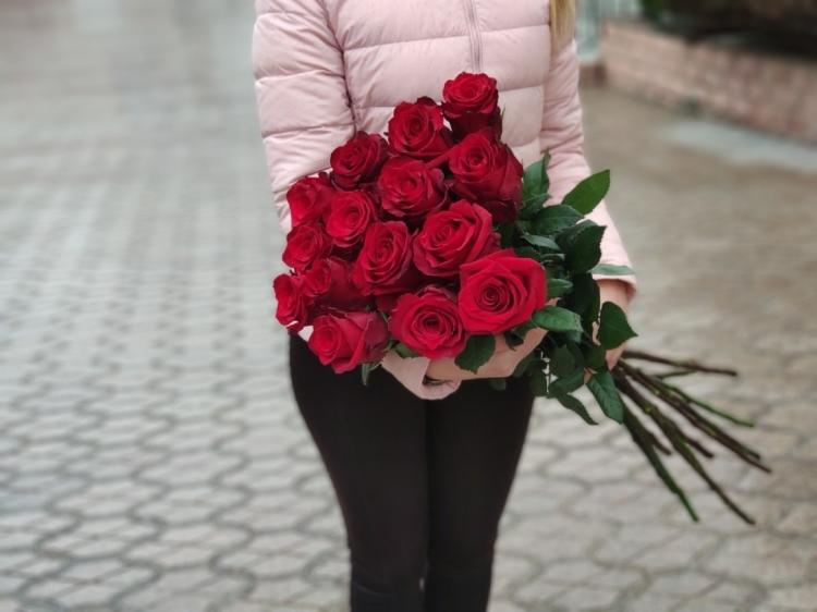 """15 красных роз """"EXPLORER"""" 80-90см Premium"""