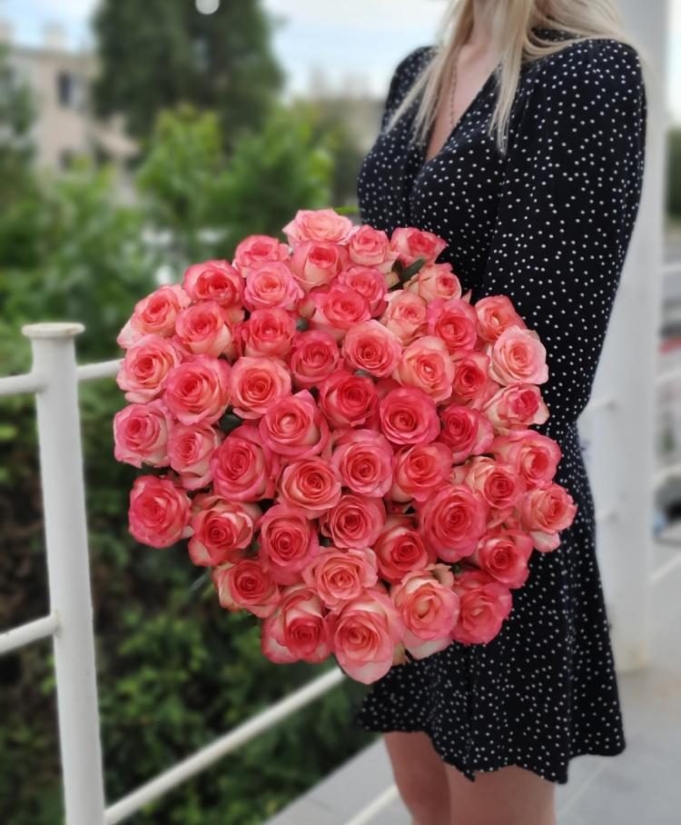 "Роза розовая ""Джумилия"" 50-60 см"