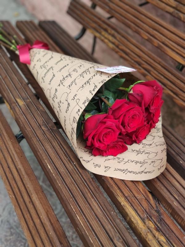 Роза премиум класса. 7 красных роз 70-80 см