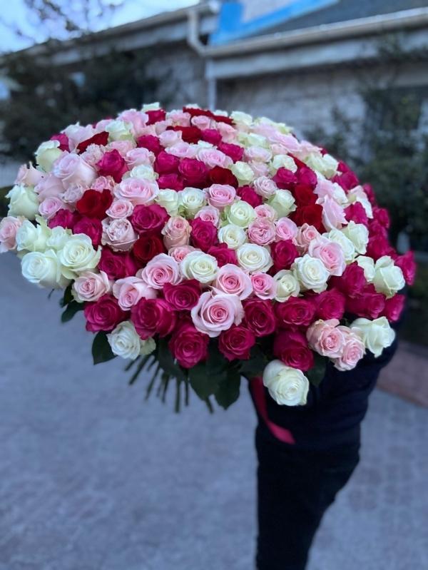 Шикарный букет из 151 розы класса Premium