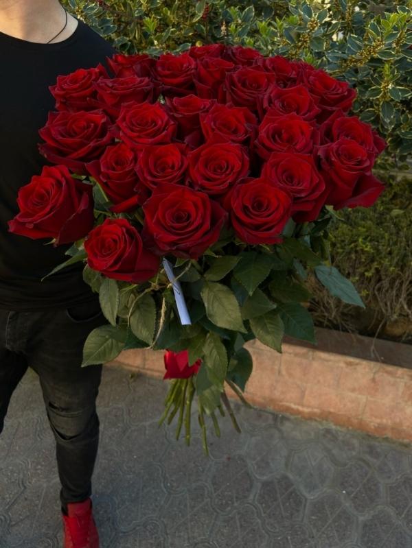 """25 шикарных красных роз """"EXPLORER"""" Эквадор 60-70см Premium"""